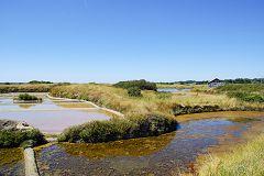 bikever bike hiring rental regions brittany places cities unusual landscape sea land swamp salt guerande