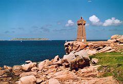bikever bike hiring rental regions brittany places cities unusual landscape sea land perros guirec lighthouse shore granite pink
