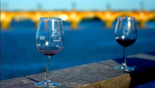 bikever location velo regions bretagne culture terroir fete vin verre