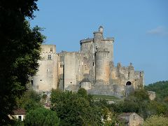 bikever bike hiring rental regions south west places cities unusual landscape bonaguil castle lot et garonne