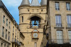 bikever bike hiring rental regions south west places cities unusual landscape bordeaux gironde gate big bell