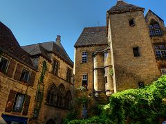 bikever bike hiring rental regions south west places cities unusual landscape sarlat la caneda dordogne